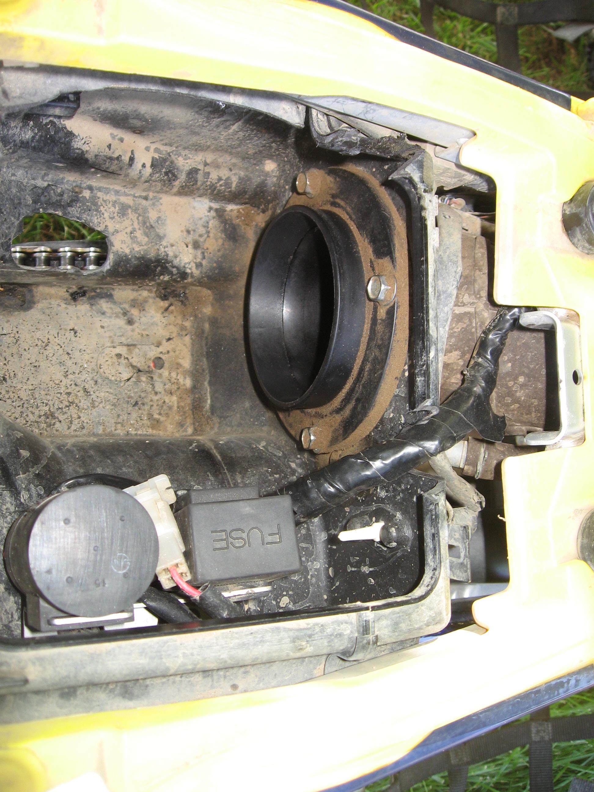 new capacitor and fuse box location suzuki lt r450 forum rh ltr450hq com Suzuki  Ltr 450 Owner's Manual Suzuki Ltr 450 Racing